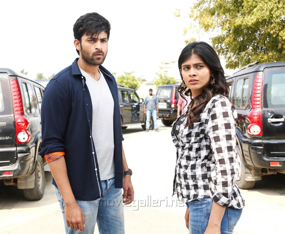 Varun Tej, Hebah Patel in Mister Movie Photos