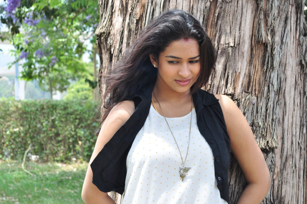 Picture 738378   Actress Misha Ghoshal At Moch Movie ...