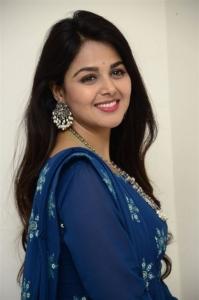 Telugabbai Gujarati Ammai Actress Monal Gajjar Latest Photos