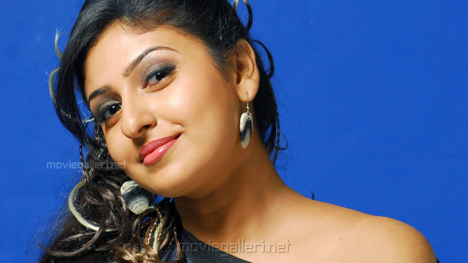 Monica Tamil Actress Wallpapers   Gallery View  Tamil Movie Hot Wallpapers