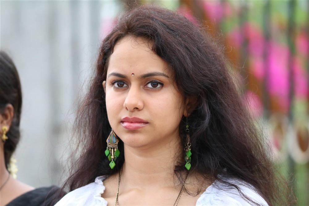 Actress Pallavi Dora in Mosadi Movie Stills