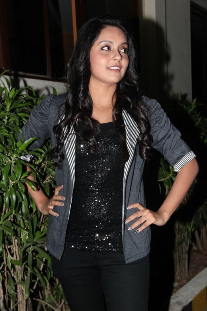 Actress Mahima Nambiar @ Mosakutty Movie Press Meet Stills