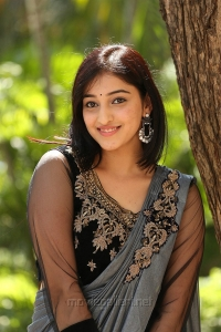 Actress Mouryaani HD Images @ Love And War Trailer Launch