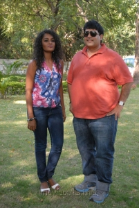 Sonia, Krishnudu at Mr.Manmadha Movie On Location Stills