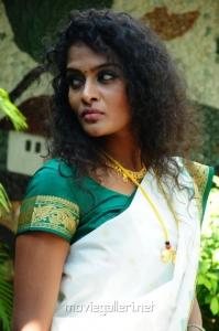 Actress Sonia Deepti in Mr Manmadha Movie Stills