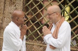 Kanakaraj, Anupam Kher in Mudhalvar Mahatma Movie Stills