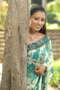 Actress Hasini in Mugam Nee Agam Naan Photos