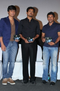 Jeeva, Vijay, Puneeth at Mugamoodi Audio Launch Stills