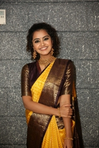 Actress Anupama Parameswaran @ Mugdha Art Studio Launch Photos
