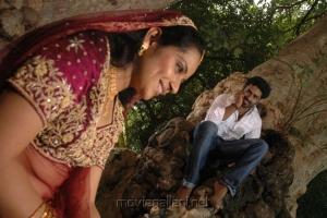 Sathish, Asrik Banu in Muthu Nagaram Movie Photos