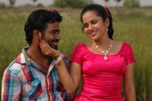 Actor Sathish and Actress Asrik Banu in Muthu Nagaram Tamil Movie