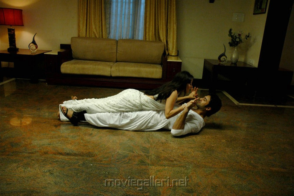 Picture 311669 | Navdeep, Sada in Mythri Telugu Movie Hot ...