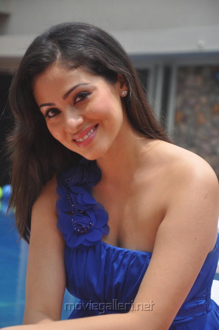 Picture 286695 | Mythri Movie Actress Sada Hot Stills ...