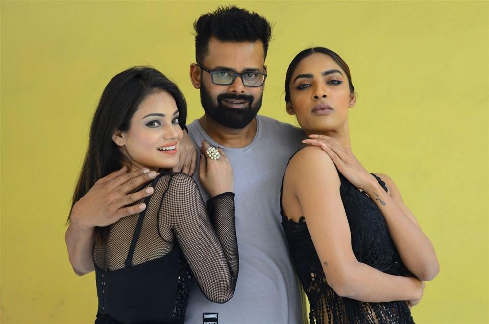 Aakarshika Goyal, Raj Suriya, Nasreen Shaikh @ Naa Peru Raja Movie Logo Launch Stills