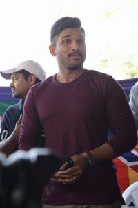 Actor Allu Arjun @ Naa Peru Surya Movie Press Meet Stills