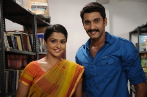 Ramya Nambeesan, Arulnithi in Naalu Policeum Nalla Irundha Oorum Movie Stills