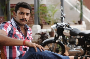 Actor Arulnithi in Naalu Policeum Nalla Irundha Oorum Movie Stills