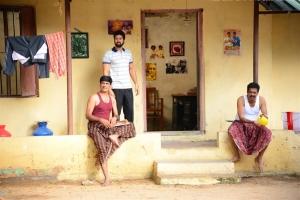 Santhosh Prathap, Chaams inj Naan Avalai Sandhitha Pothu Movie New Photos