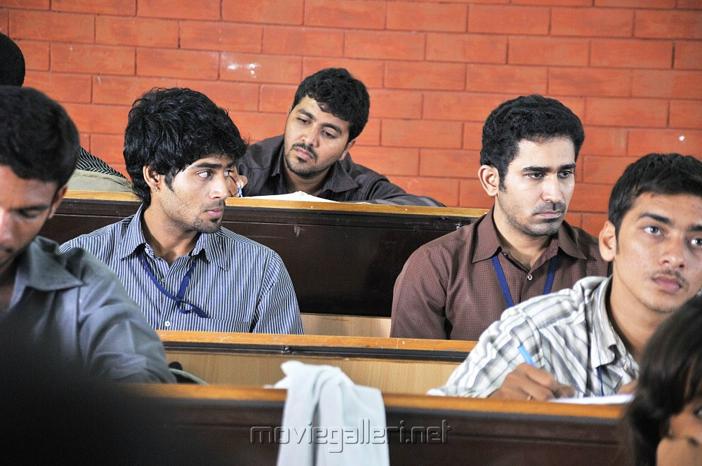 Vijay Antony, Siddharth Venugopal in Naan Movie Stills