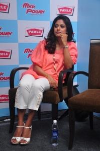 Tamil Actress Nadhiya Latest Photos Stills Pictures