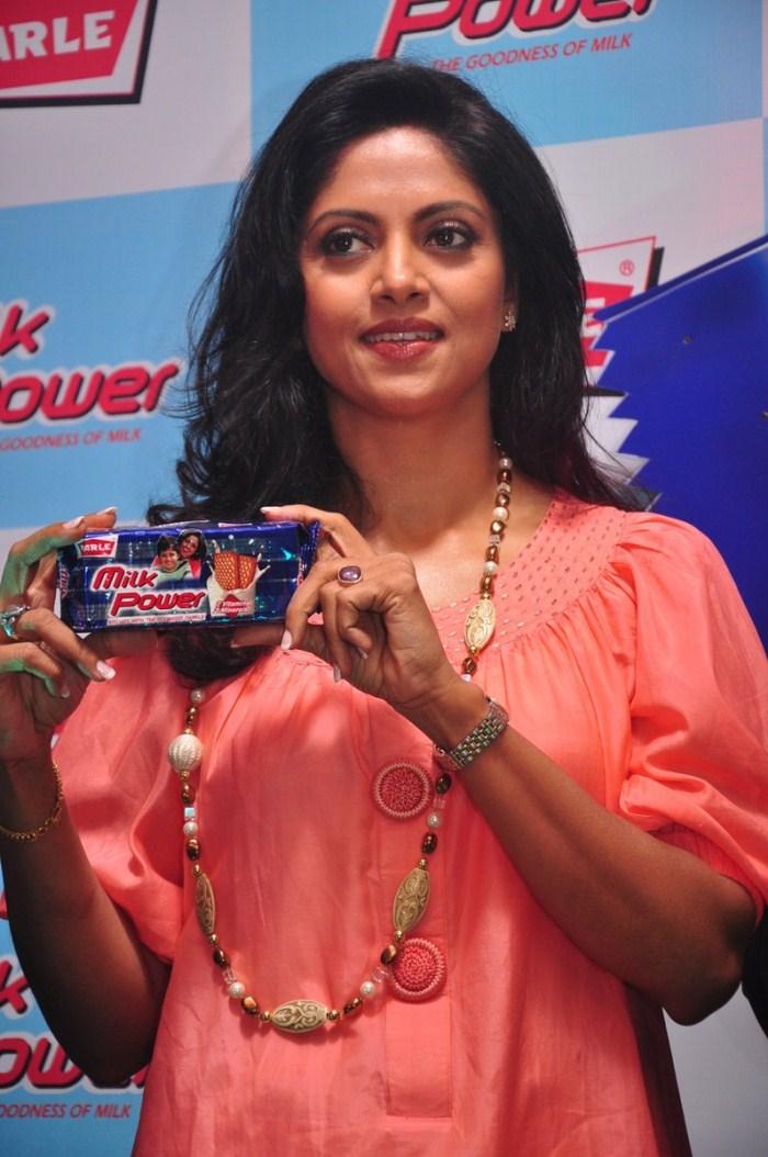Tamil Actress NadiyaNadhiya In Jackpot
