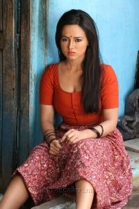 Nadigayin Diary Sana Khan Hot Photos