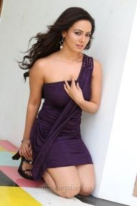 Actress Sana Khan Hot Photos in Nadigayin Diary Movie