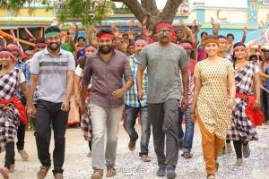Bharani, Sasikumar, Samuthirakani, Anjali in Nadodigal 2 Movie Stills