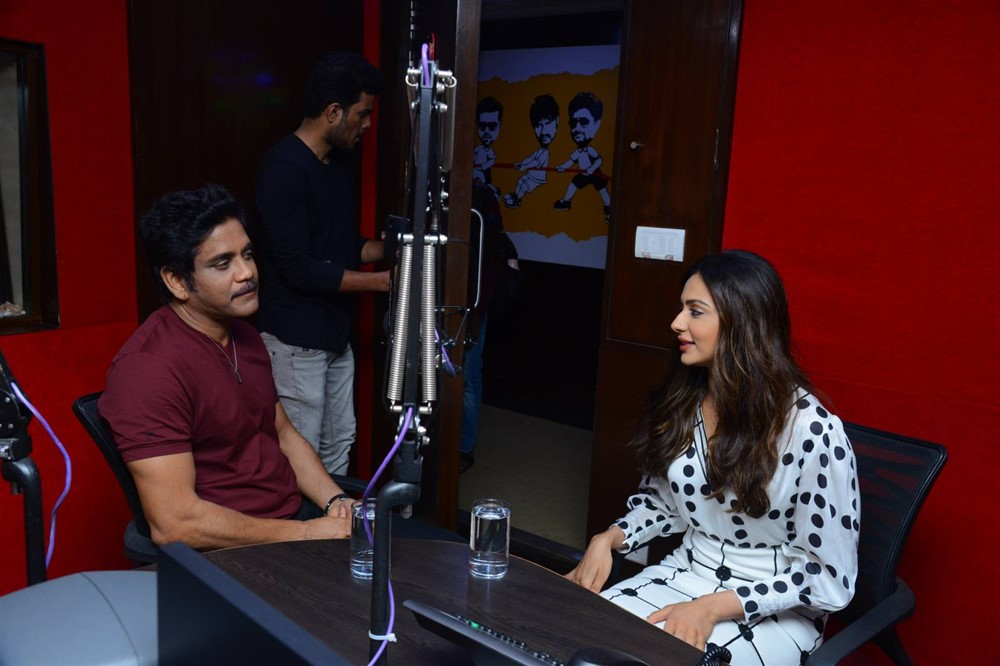 Nagarjuna & Rakul Preet @ Red FM for Manmadhudu 2 Second Song Launch