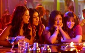 Siddhi Idnani, Dhanya Balakrishna, Tridha Choudhury, Komali Prasad in Naluguru Ammayila Kadha Movie Stills HD
