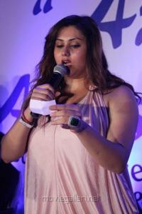 Actress Namitha selects Avadi Sumangali Jewellery Bumper Prizes