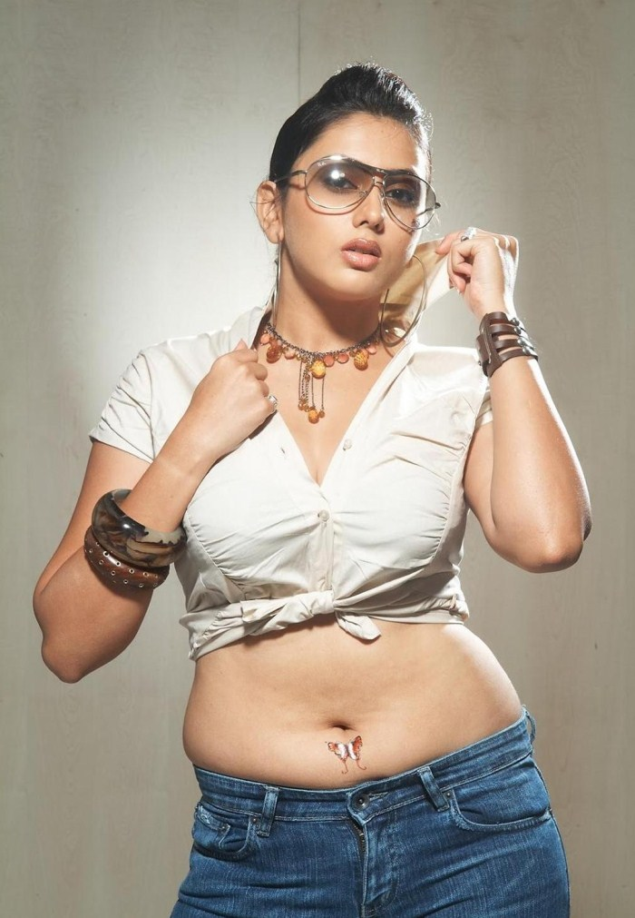 Namitha Spicy Hot Photoshoot Pictures [ Gallery View ]