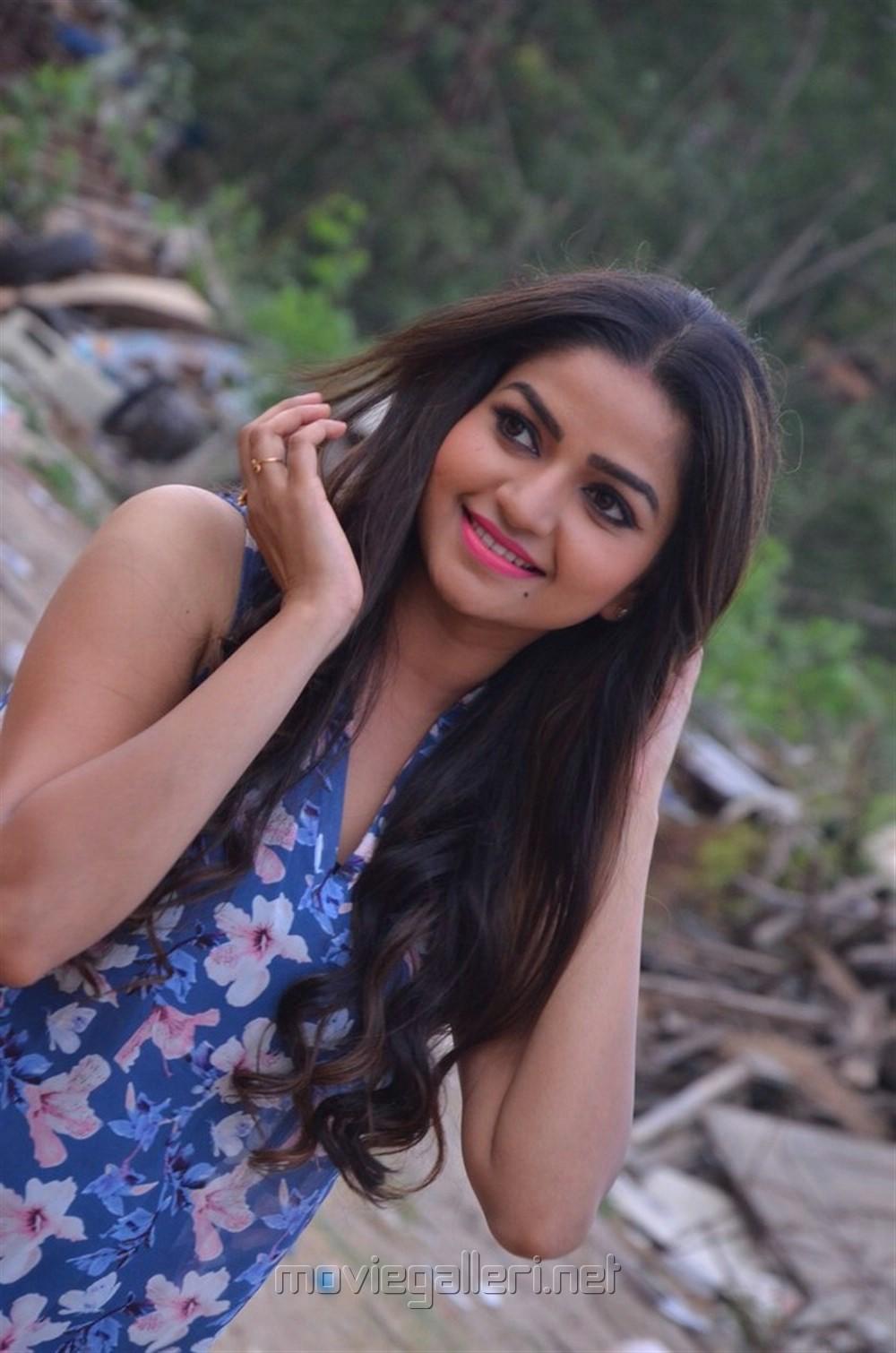 Actress Nithya Ram @ Tv Serial Nandini Press Meet Stills