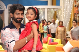 Rahul Ravi, Baby Adhitri in Nandini TV Serial Photos