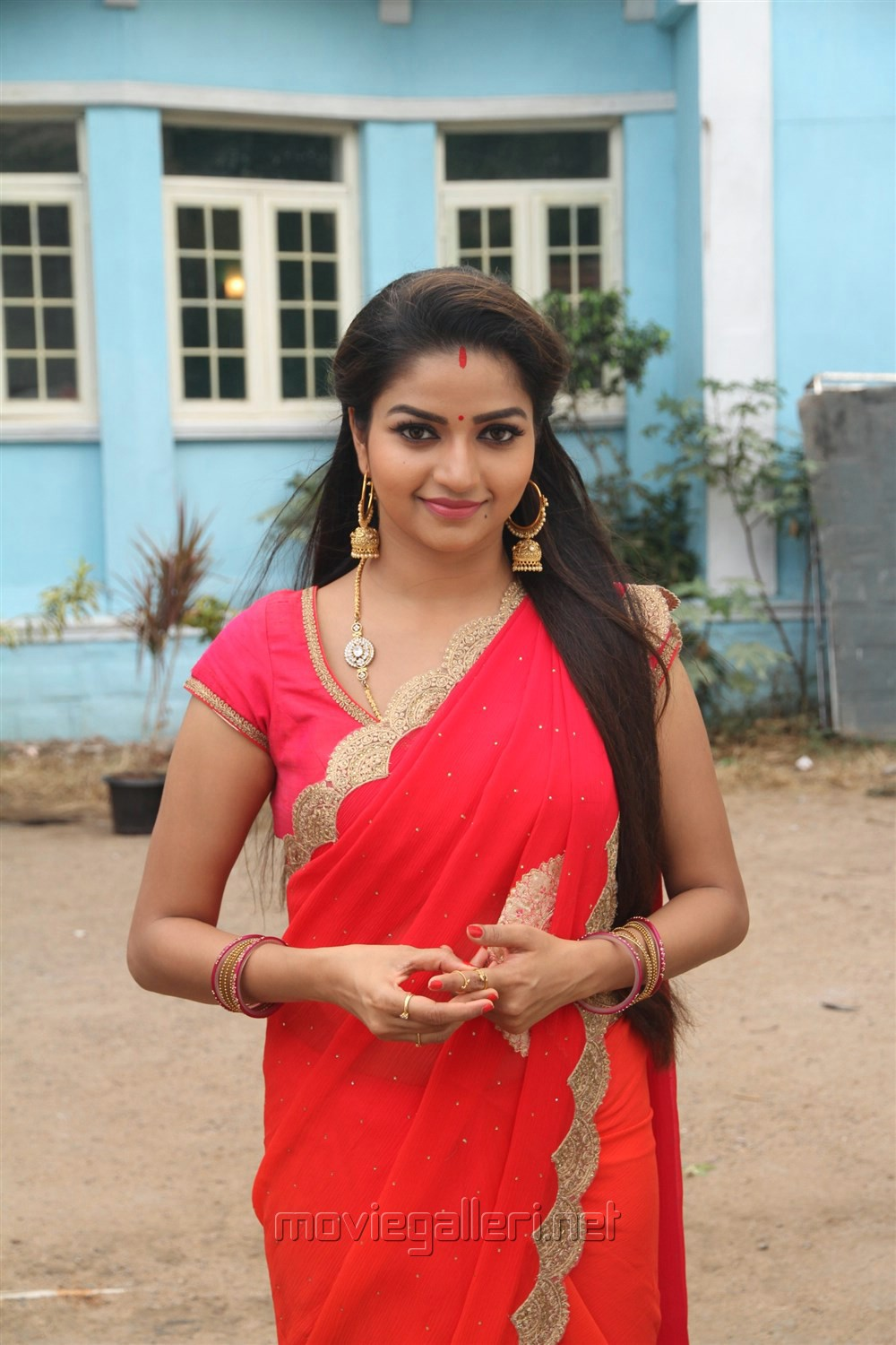 Actress Nithya Ram @ Nandhini TV Serial Working Stills