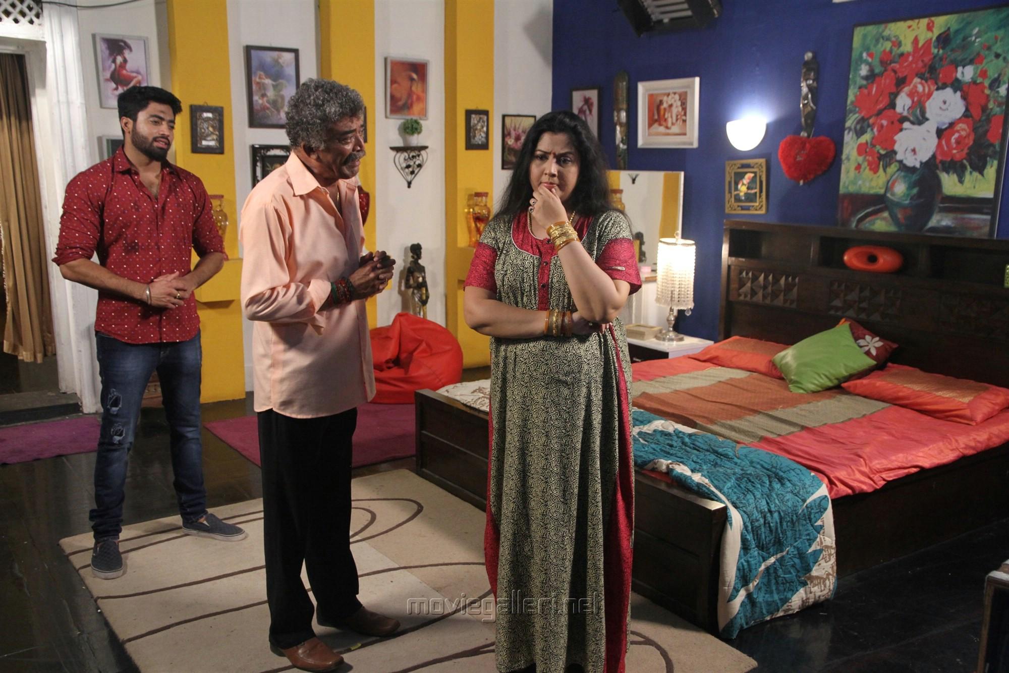 Rahul Ravi, Ramesh Pandit, Vijayalakshmi @ Nandini TV Serial Working Stills
