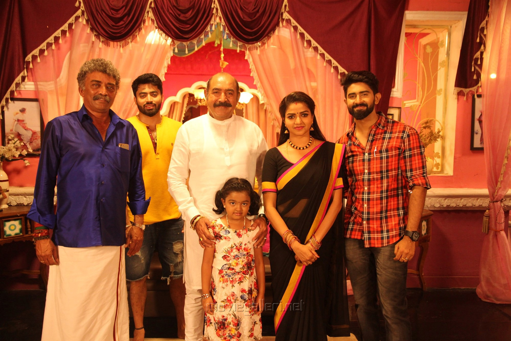 Ramesh Pandit, Vijayakumar, Baby Adhitri Nithya Ram, Rahul Ravi @ Nandini TV Serial Working Stills