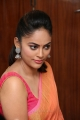 Tamil Actress Nandita Swetha in Saree HD Images