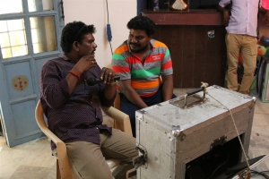 Director Andal Ramesh @ Nandu En Nanban Movie Working Stills