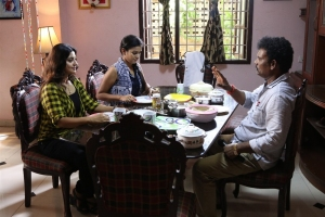 Athmiya, Chandini, Andal Ramesh @ Nandu En Nanban Movie Working Stills
