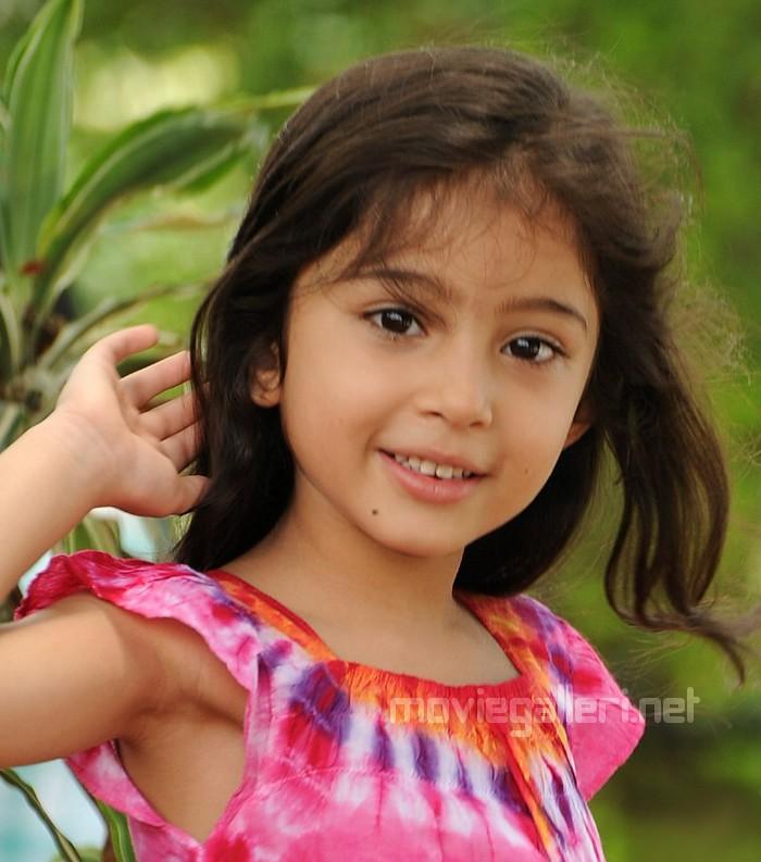 Deiva Thirumagan Baby Sara Cute Photos