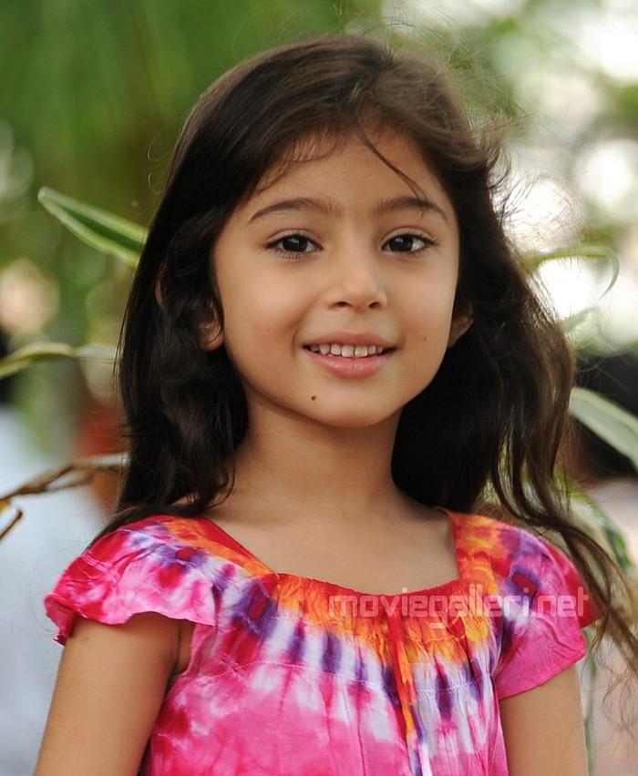 Deiva Thirumagan Nanna Child Artist Sara Cute Photos Stills
