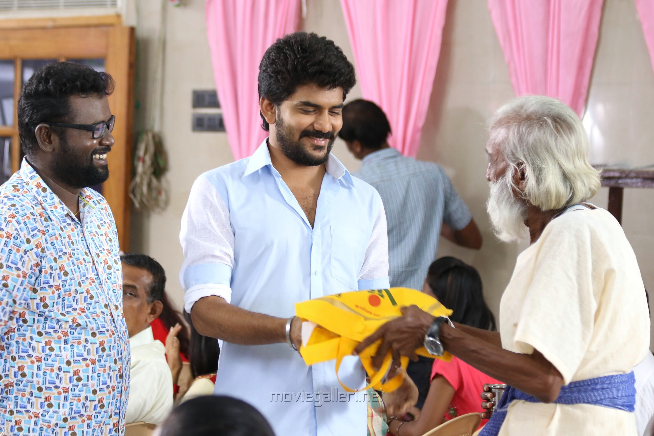 Arunraja Kamaraj, Kavin, Rahul Thatha in Natpuna Ennanu Theriyuma Movie Stills HD