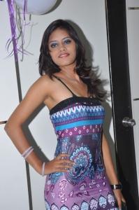 Hyderabad Model Sneha @ Naturals Family Salon Launch
