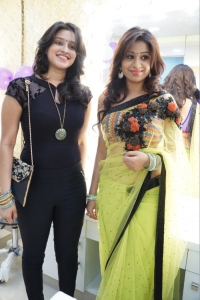 Priya Anduluri, Manali Rathod @ Naturals Salon Launch at Mehdipatnam, Hyderabad