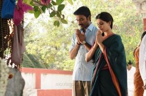 Dhanush, Samantha in Nava Manmadhudu Movie Photos