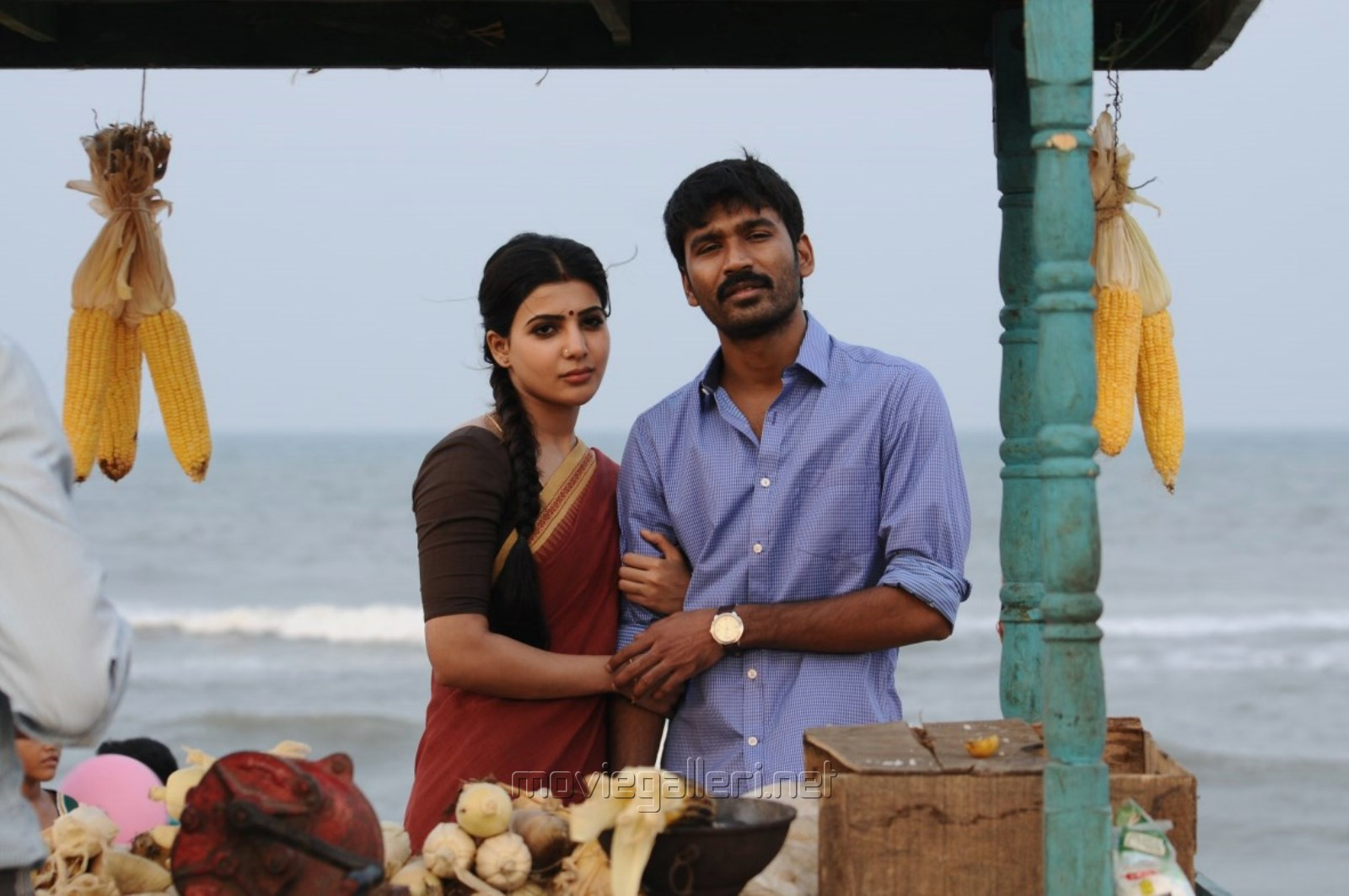 Samantha, Dhanush in Nava Manmadhudu Movie Photos