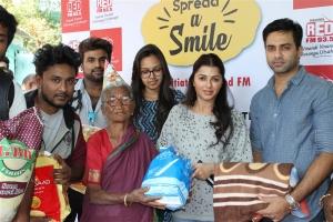 Navdeep & Bhumika @ Red FM Spread A Smile 2017 Photos