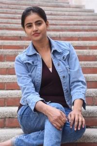 Actress Naveena Reddy Photos @ Naveen Chandra Movie Opening