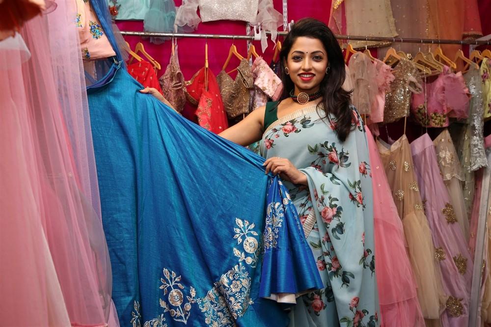 Actress Navya Swamy Inaugurated Trendz Expo at Taj Krishna Photos